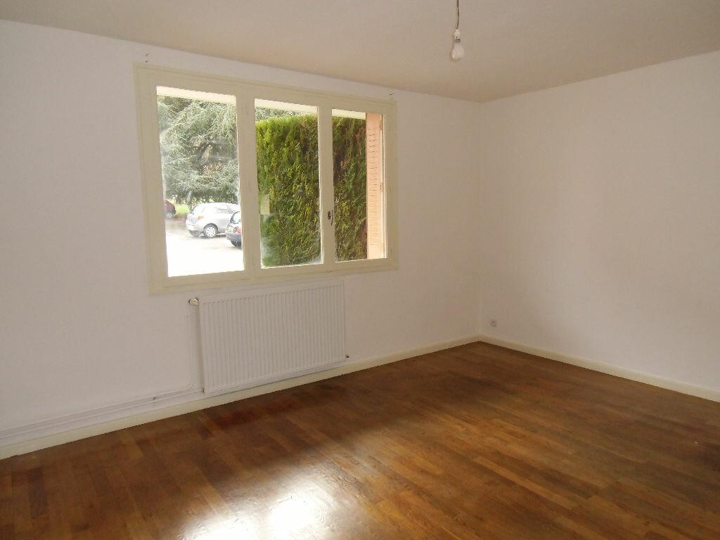 Location Appartement 1 pièce à Oullins - vignette-1