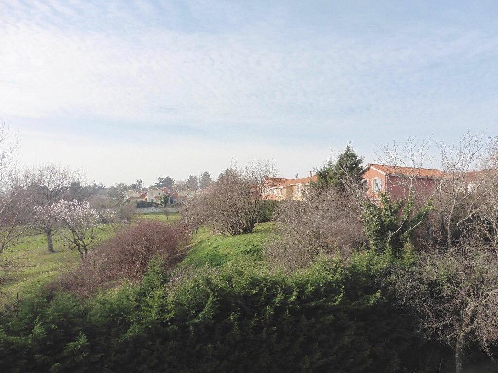 Achat Appartement 3 pièces à Saint-Genis-Laval - vignette-1