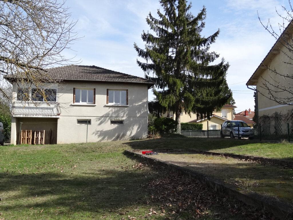 Location Maison 4 pièces à Saint-Genis-Laval - vignette-1
