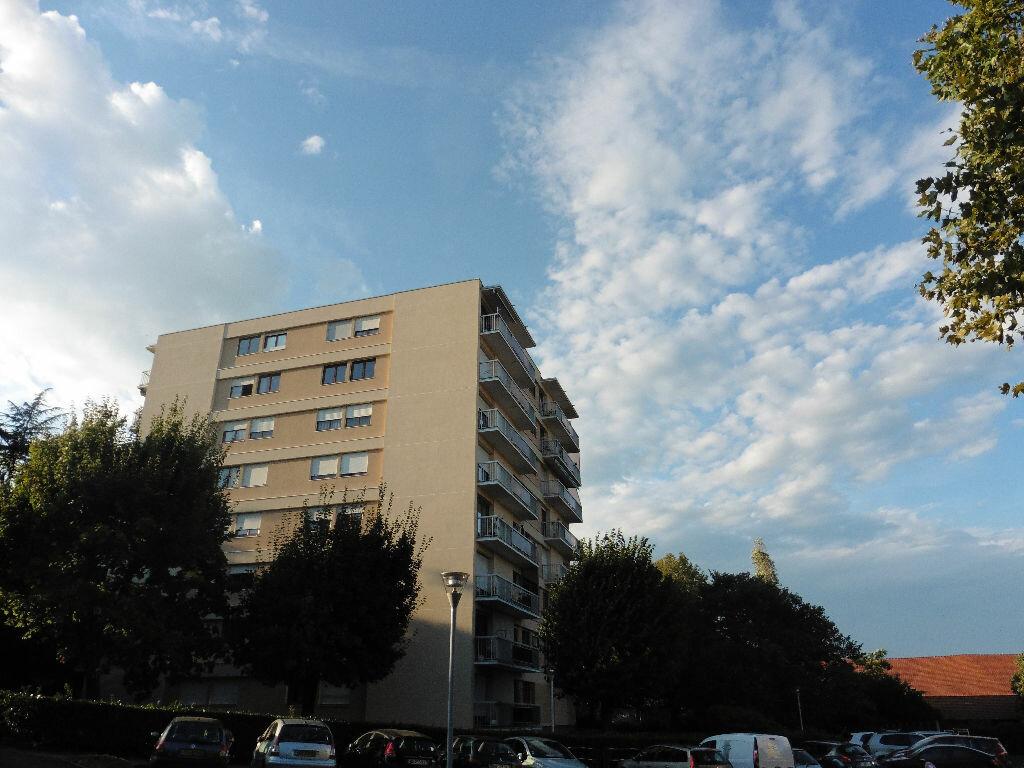 Location Appartement 4 pièces à Oullins - vignette-1