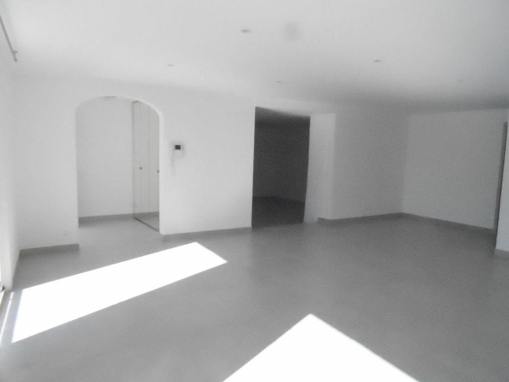 Location Maison 4 pièces à Orliénas - vignette-1