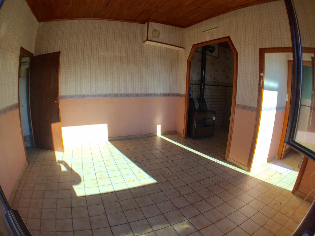 Achat Maison 4 pièces à Saint-Pierre-la-Palud - vignette-6