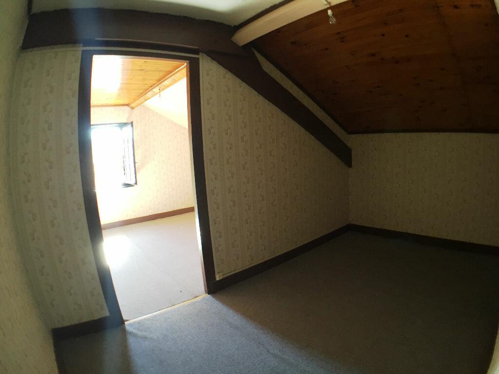Achat Maison 4 pièces à Saint-Pierre-la-Palud - vignette-9