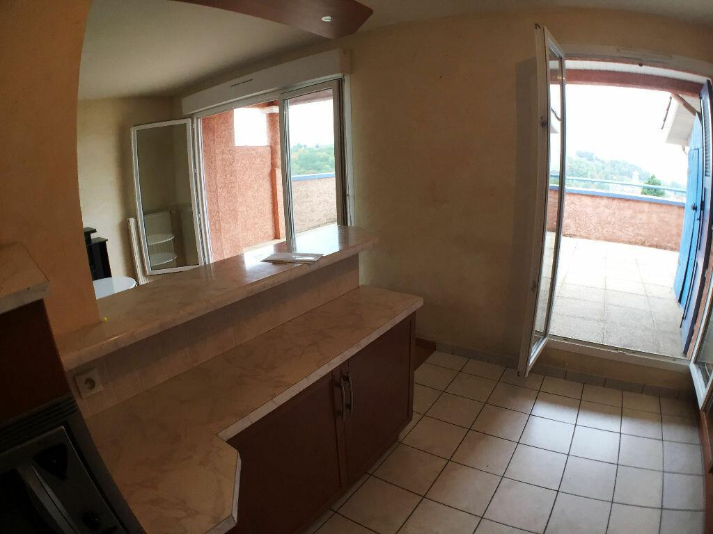 Achat Appartement 3 pièces à Saint-Pierre-la-Palud - vignette-5
