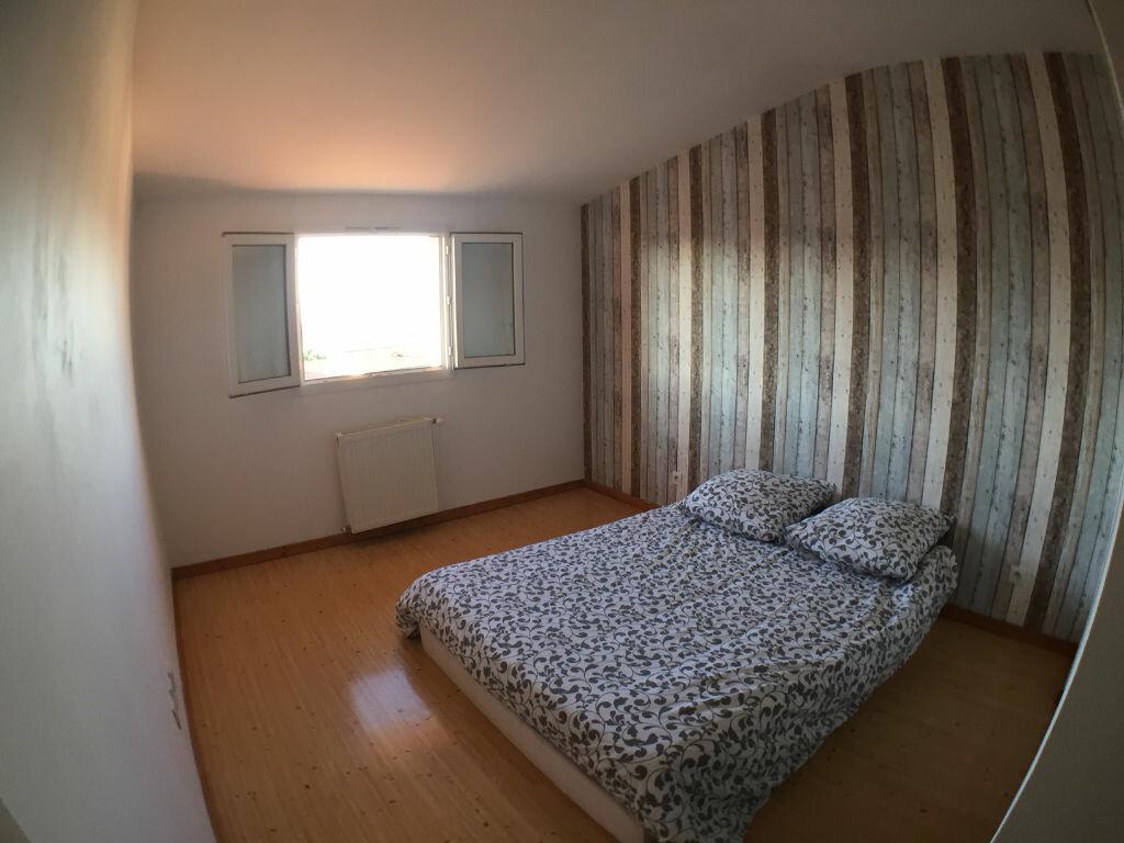 Achat Appartement 3 pièces à Saint-Pierre-la-Palud - vignette-6
