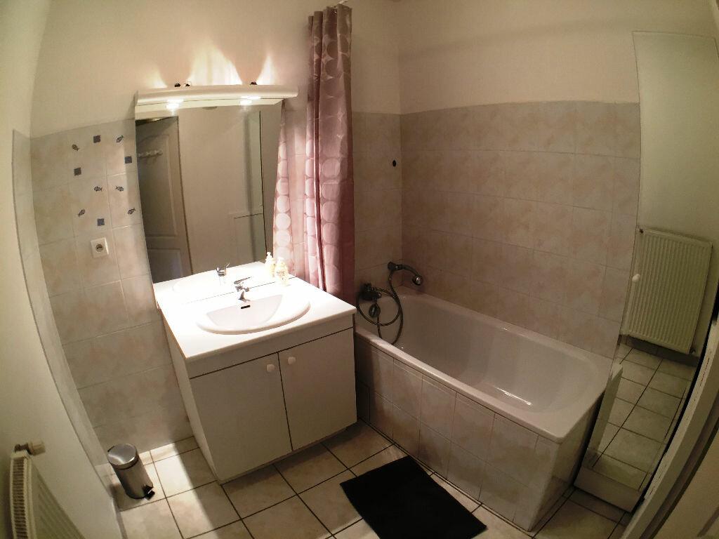 Achat Appartement 3 pièces à Saint-Pierre-la-Palud - vignette-9