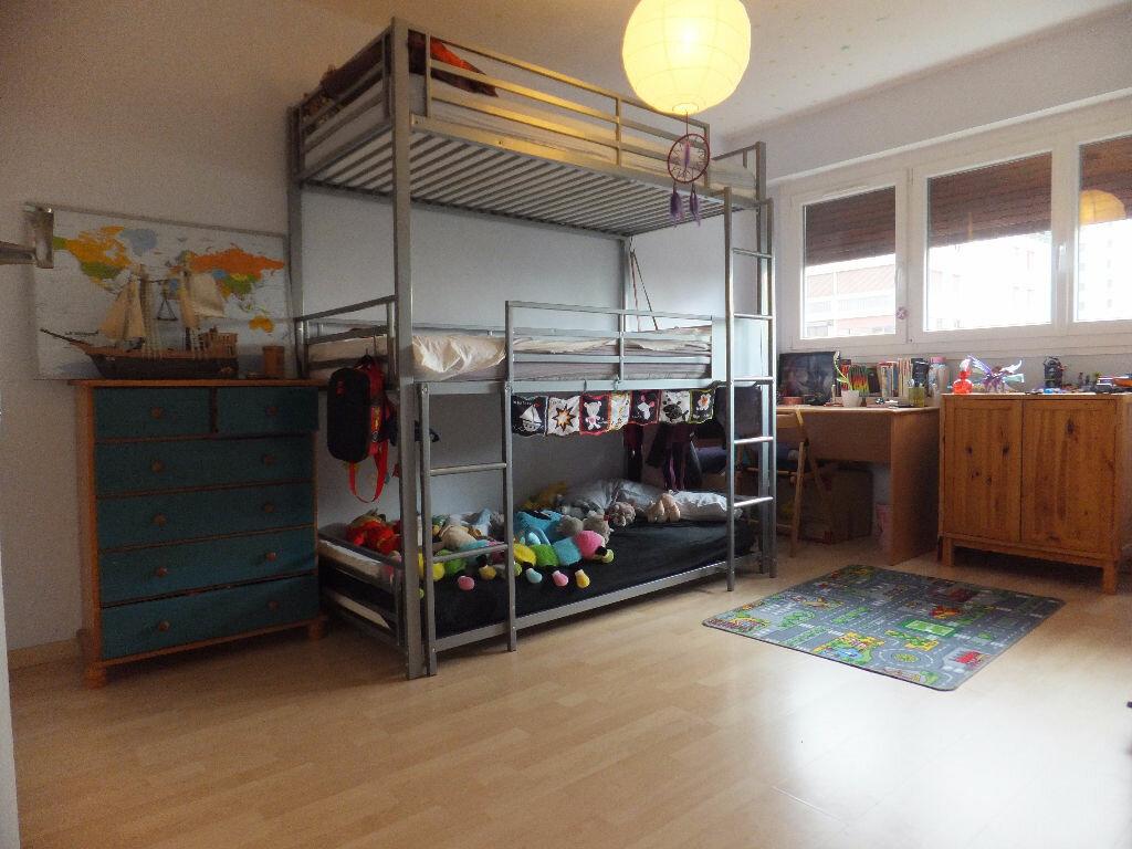Achat Appartement 4 pièces à Rillieux-la-Pape - vignette-4