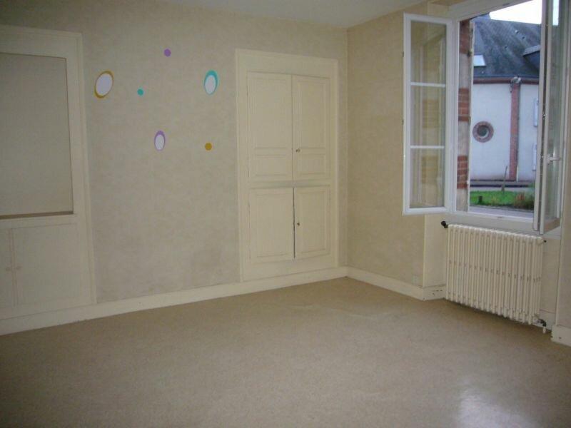 Location Maison 4 pièces à Lorris - vignette-3