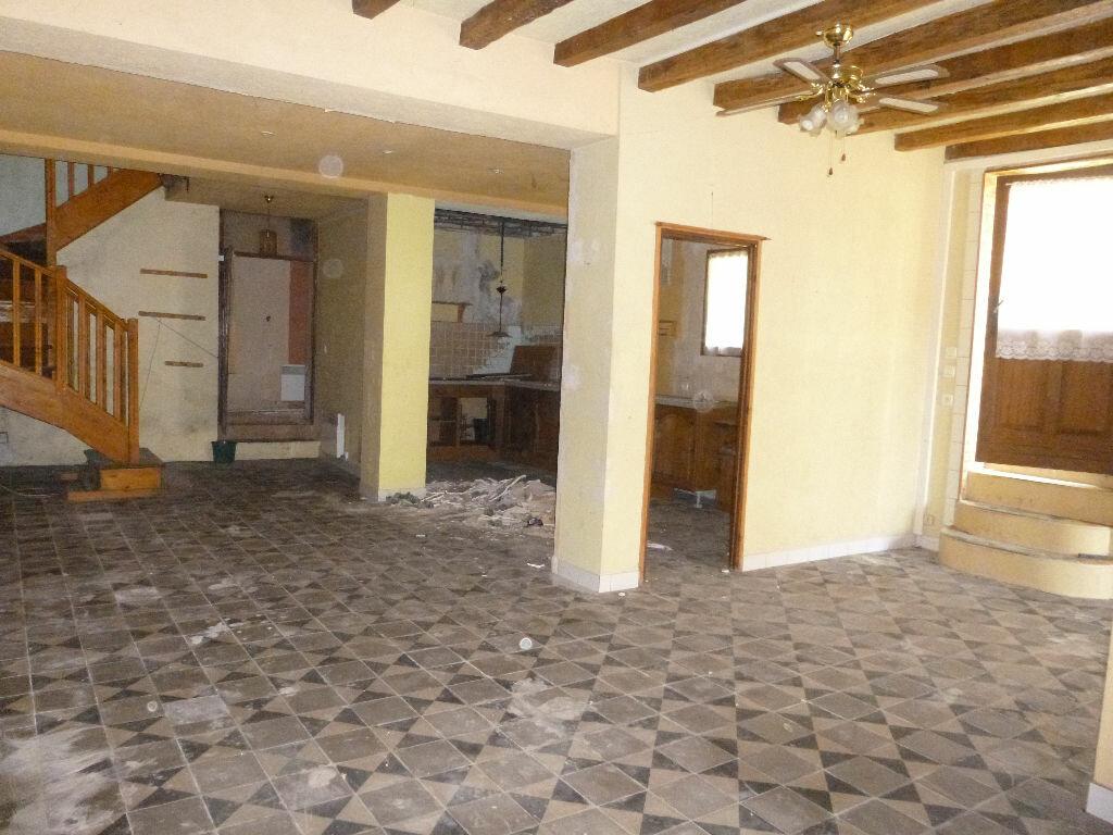 Achat Maison 6 pièces à Saint-Maurice-sur-Aveyron - vignette-3