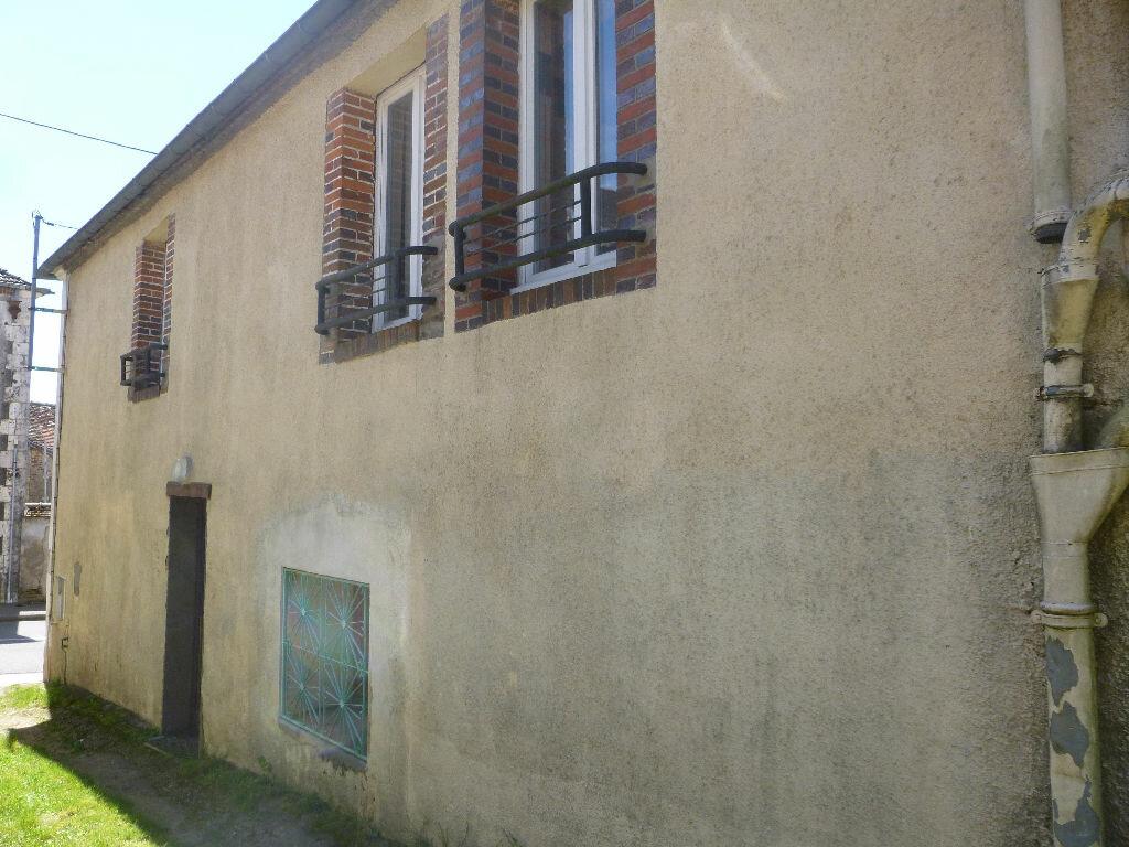 Achat Maison 6 pièces à Saint-Maurice-sur-Aveyron - vignette-9
