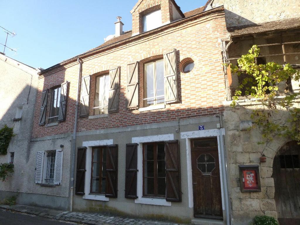 Location Maison 5 pièces à Châtillon-Coligny - vignette-1