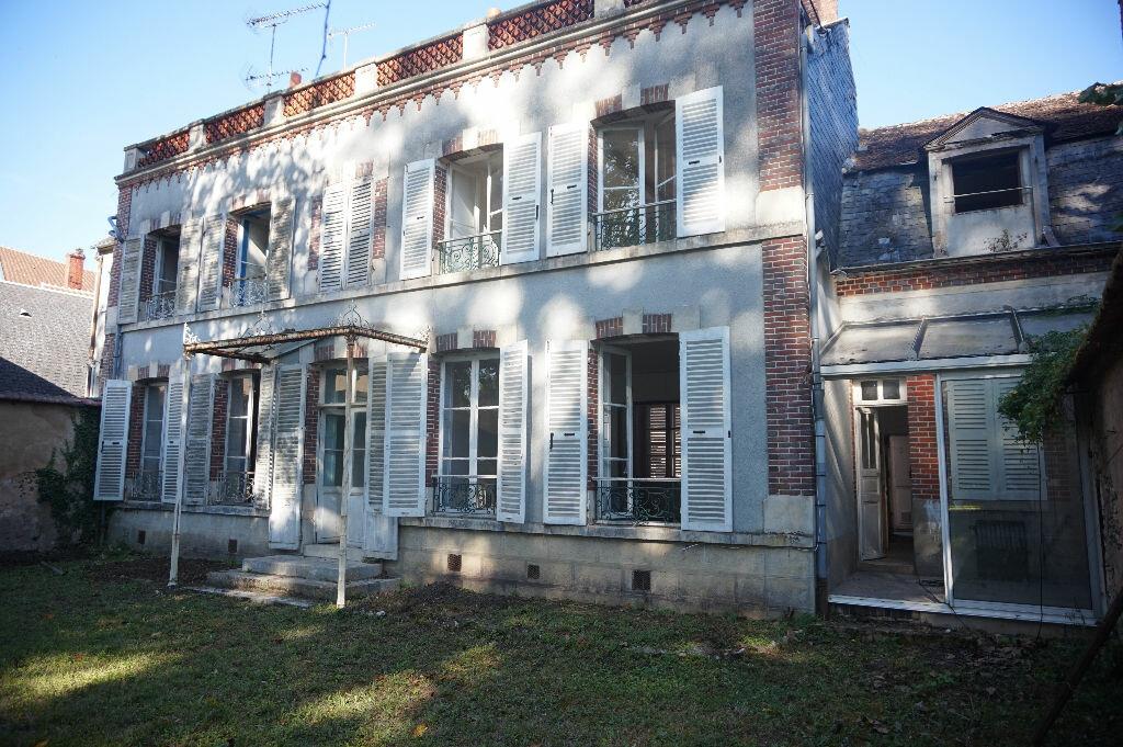 Achat Maison 13 pièces à Châtillon-Coligny - vignette-1