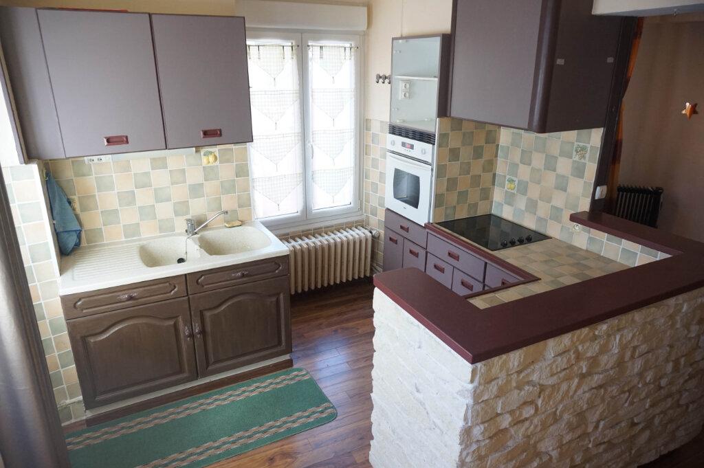 Location Maison 4 pièces à Châtillon-Coligny - vignette-1