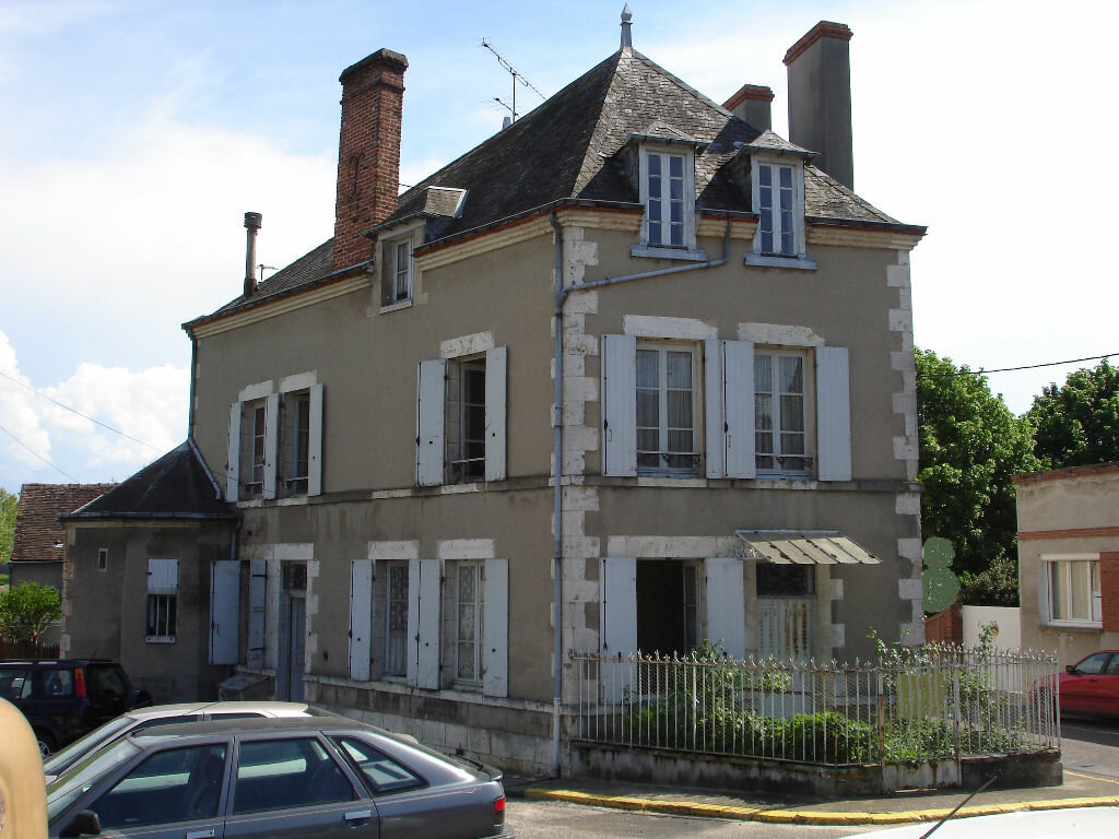 Achat Maison 9 pièces à Sainte-Geneviève-des-Bois - vignette-1