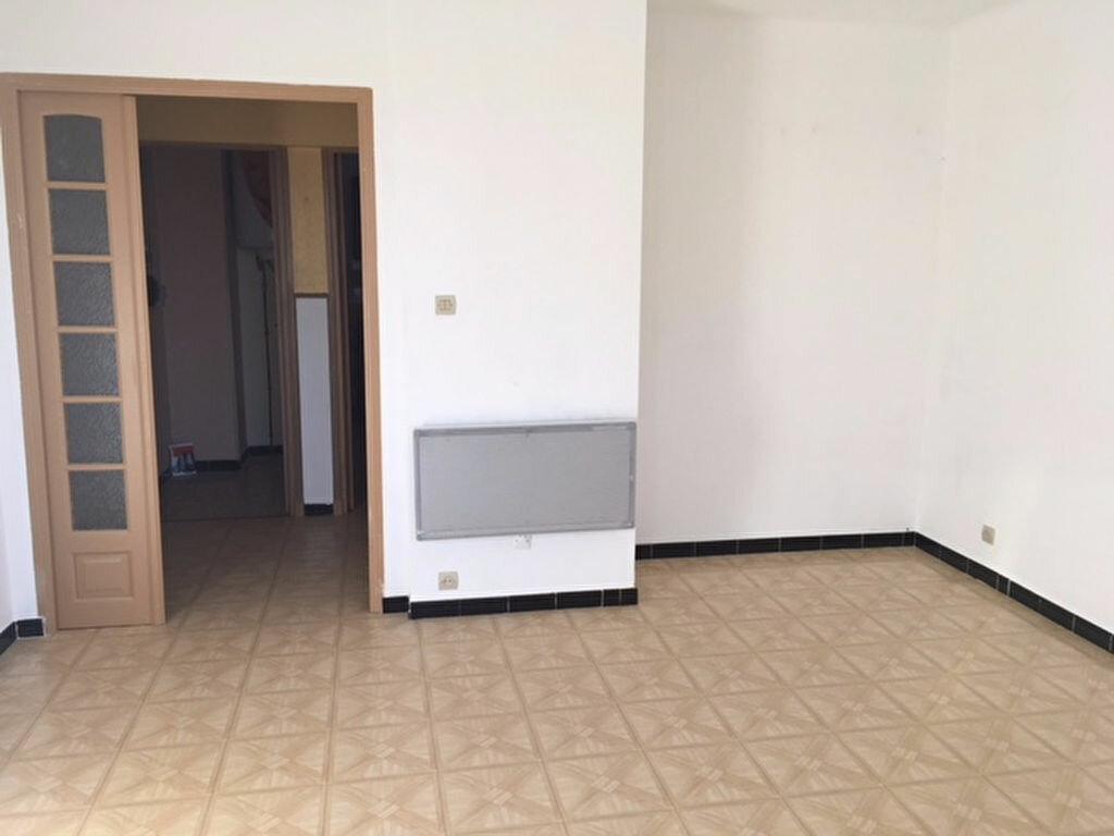 Location Appartement 3 pièces à Sorgues - vignette-2