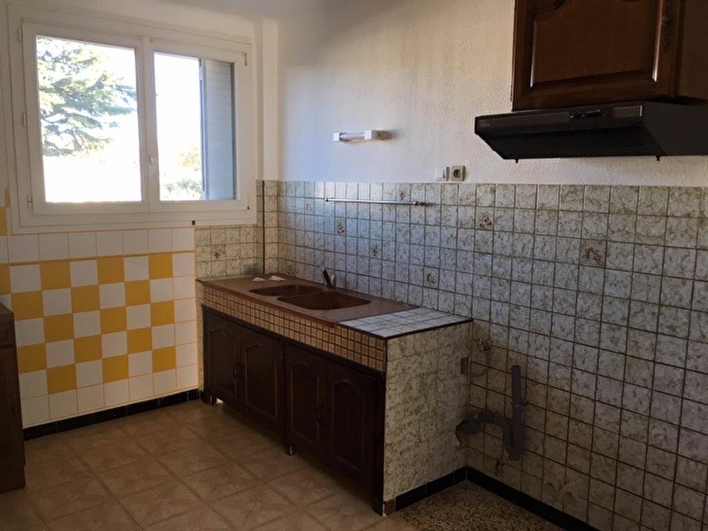 Location Appartement 3 pièces à Sorgues - vignette-3