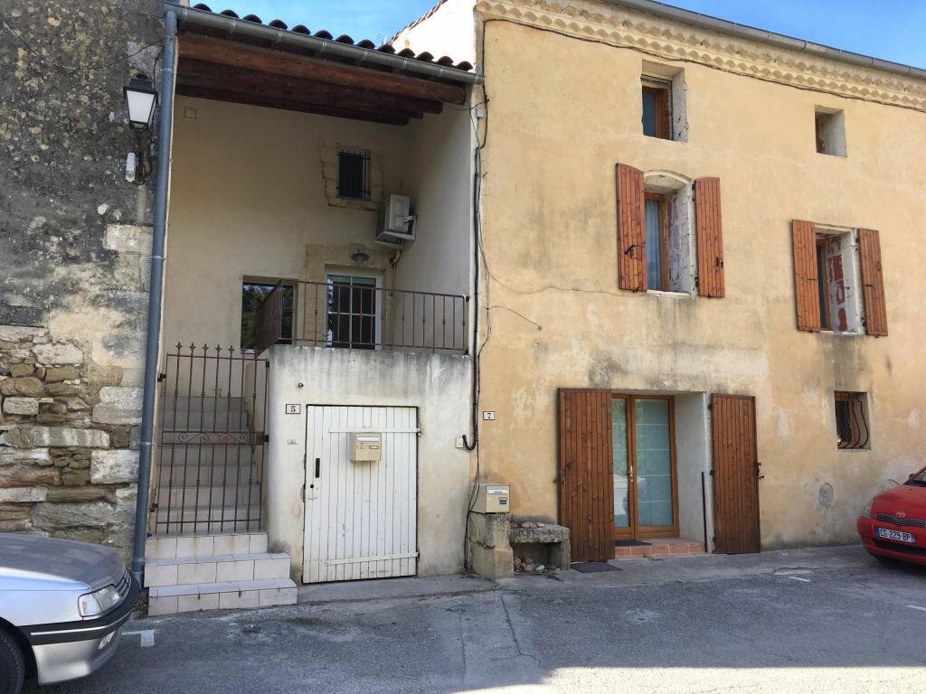 Location Maison 3 pièces à Domazan - vignette-1