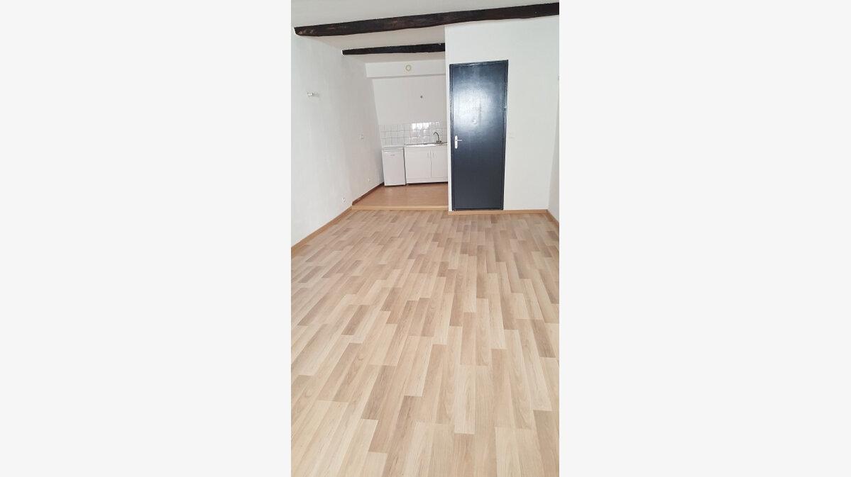 Location Appartement 2 pièces à Aups - vignette-1