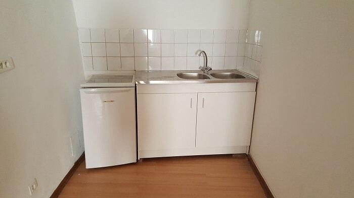 Location Appartement 2 pièces à Aups - vignette-2