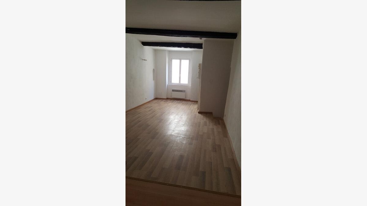Location Appartement 2 pièces à Aups - vignette-3
