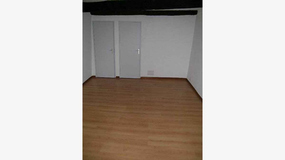 Location Appartement 2 pièces à Aups - vignette-6