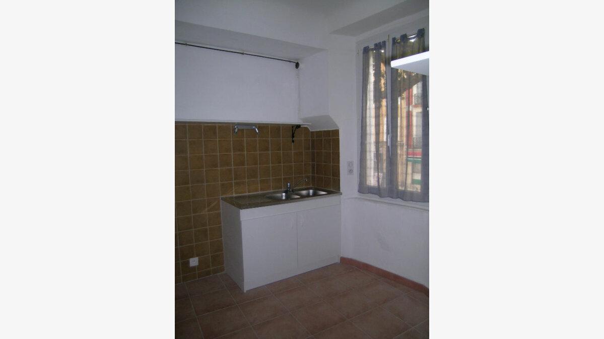 Location Appartement 3 pièces à Aups - vignette-2