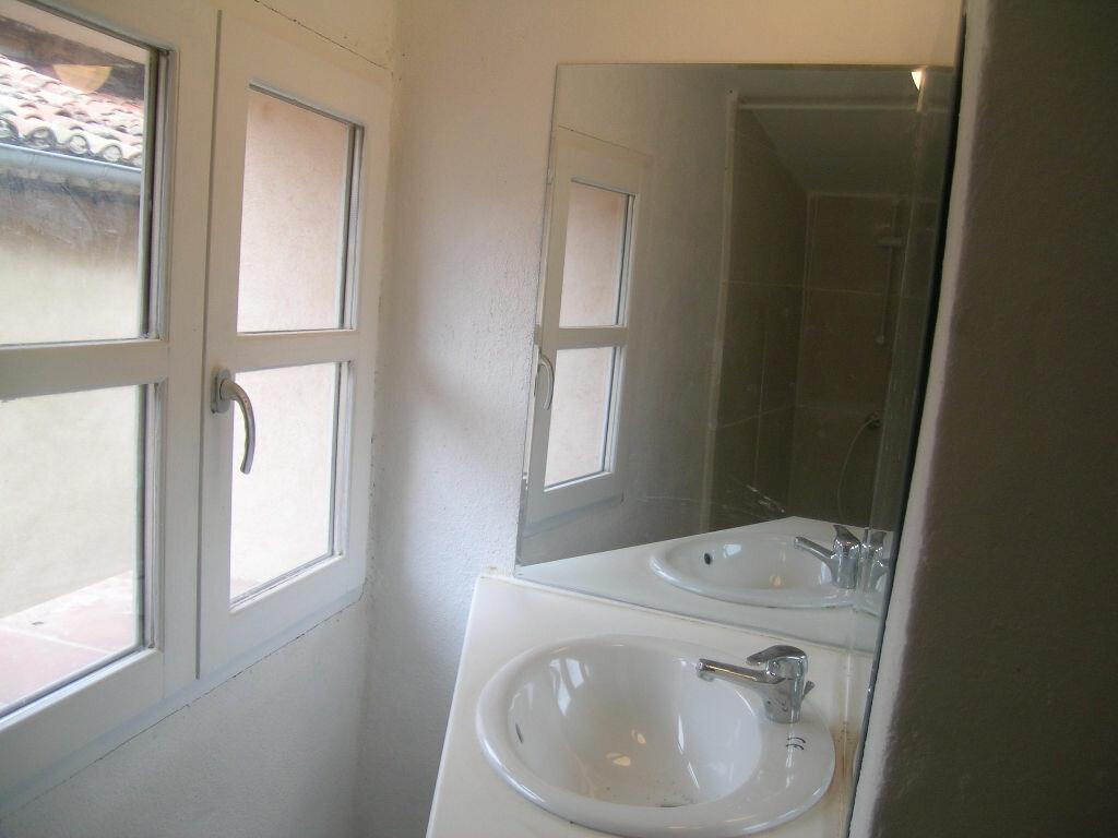 Location Maison 4 pièces à Aups - vignette-3