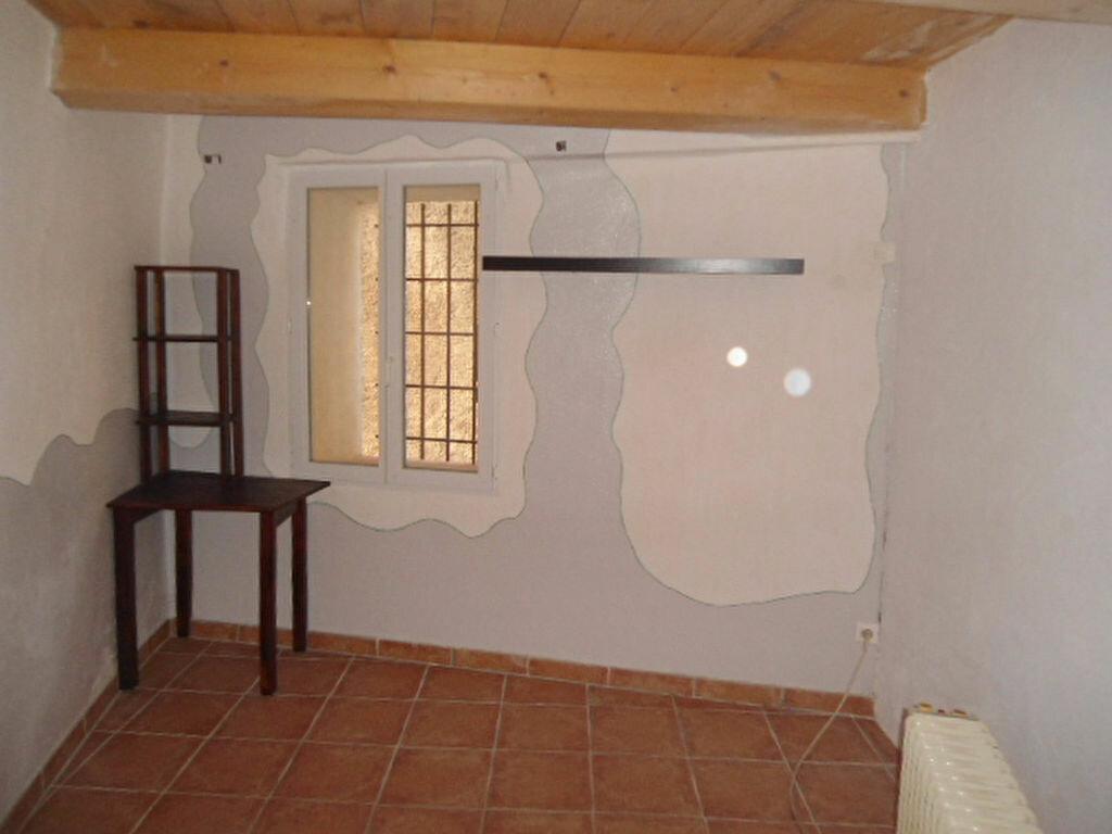 Location Maison 4 pièces à Aups - vignette-4