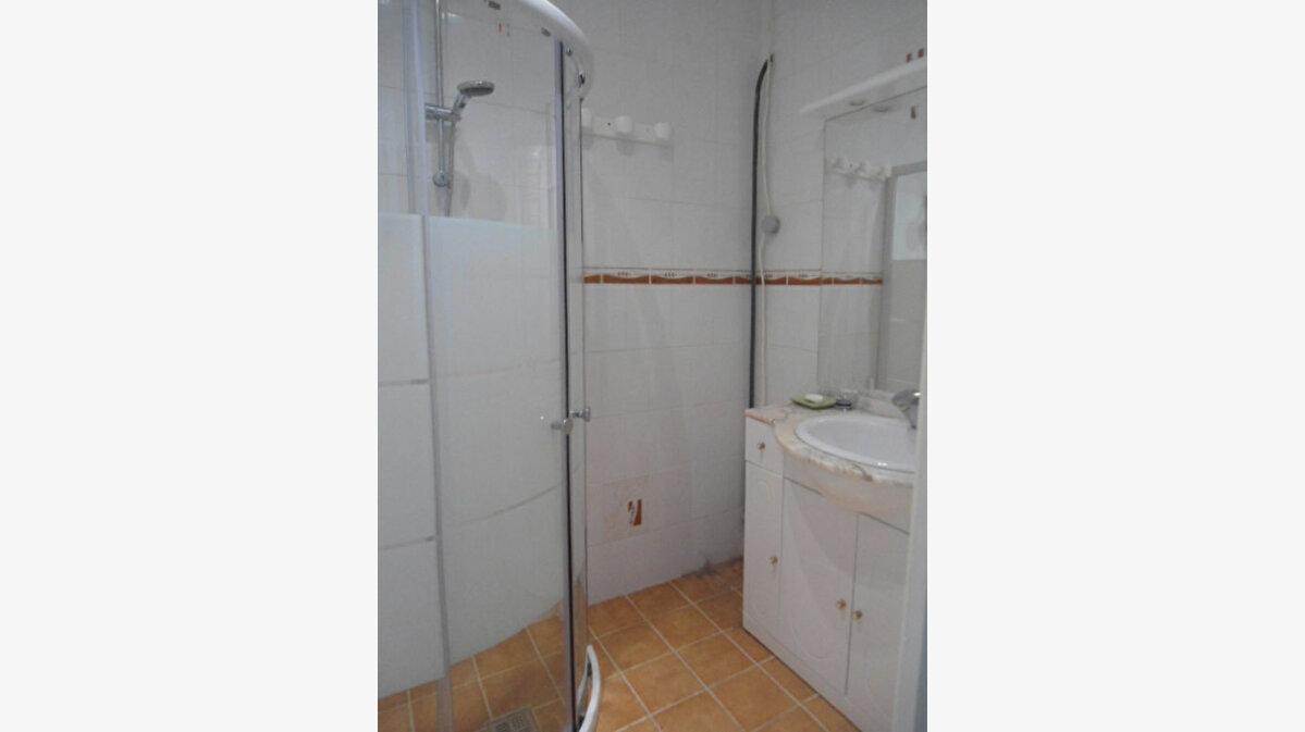 Achat Appartement 3 pièces à Aups - vignette-6