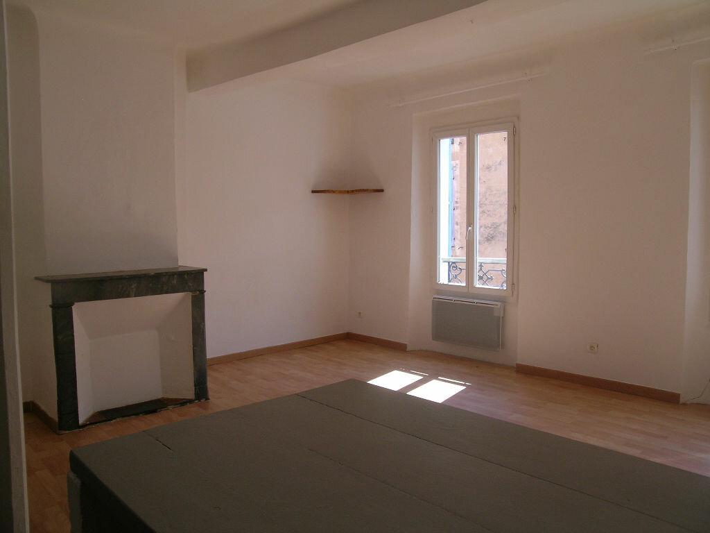 Location Appartement 1 pièce à Aups - vignette-1