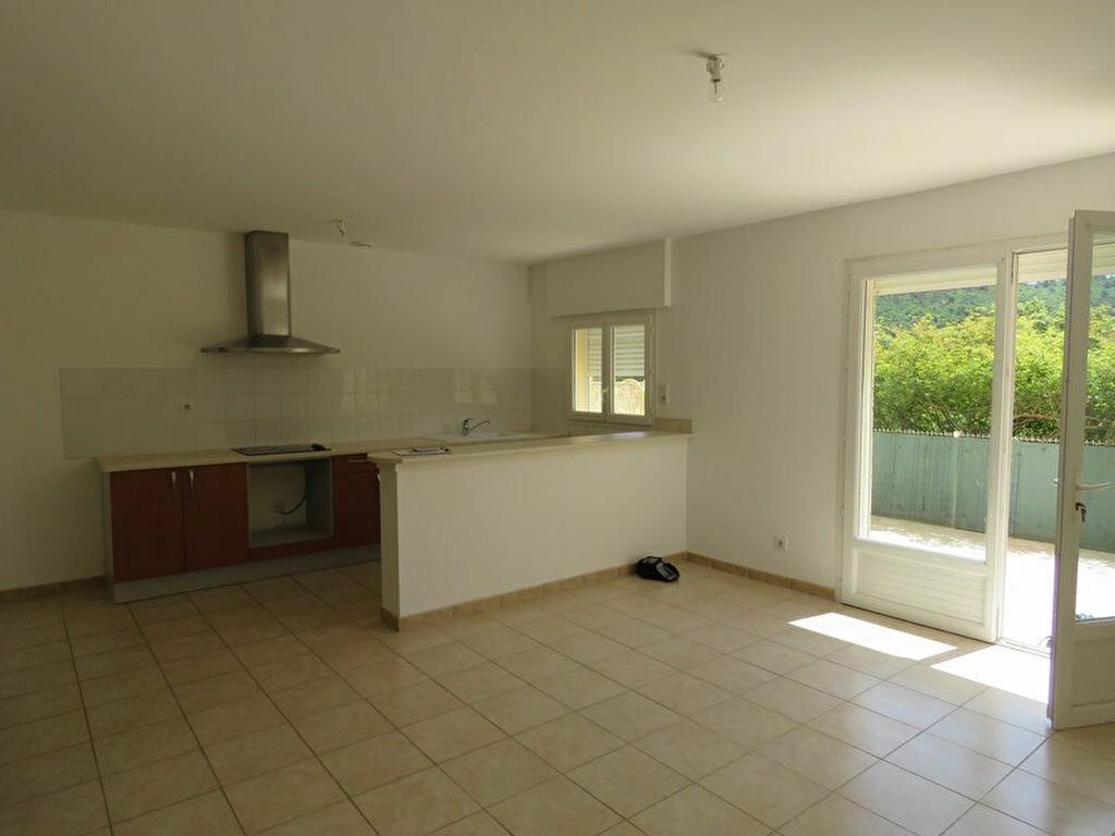 Location Appartement 3 pièces à Allemagne-en-Provence - vignette-1