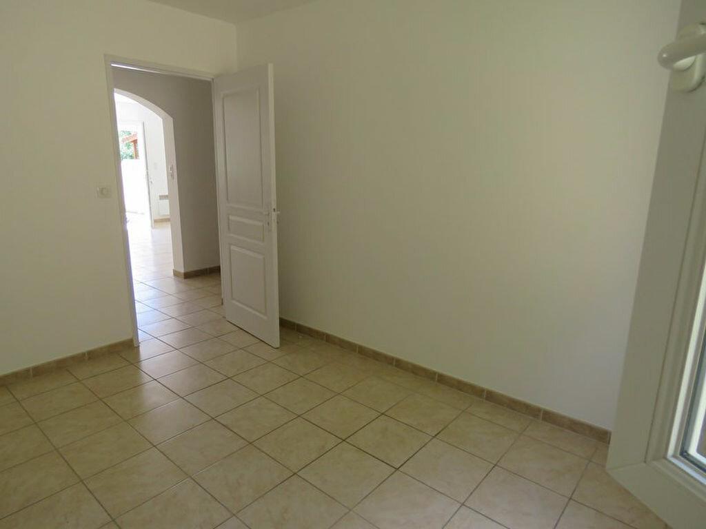 Location Appartement 3 pièces à Allemagne-en-Provence - vignette-5