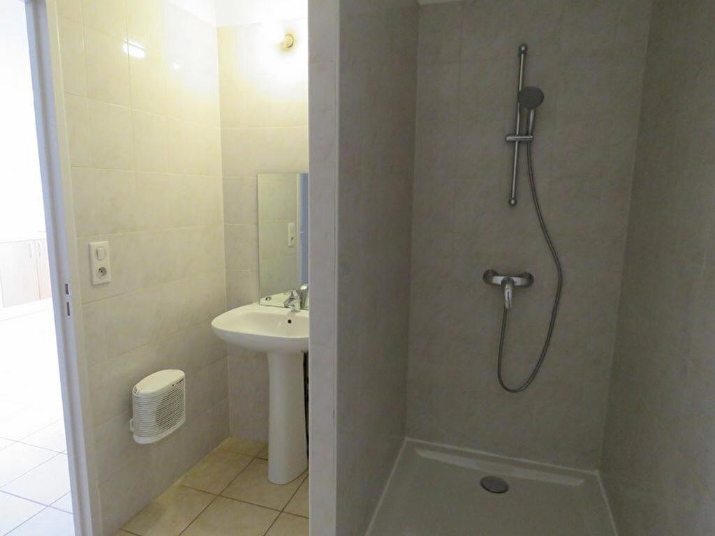 Location Appartement 3 pièces à Allemagne-en-Provence - vignette-6