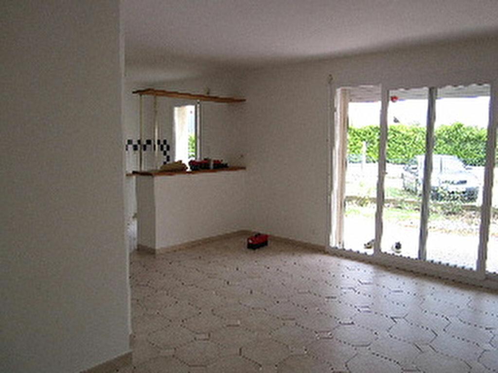 Location Maison 5 pièces à Peipin - vignette-1