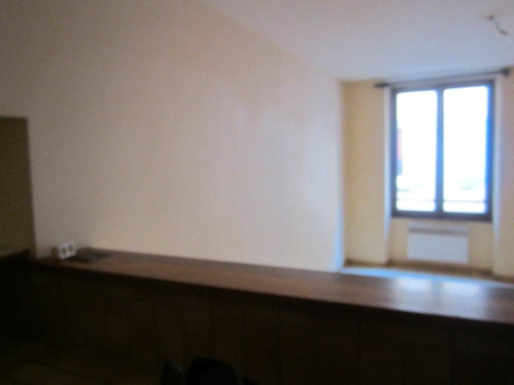 Location Appartement 3 pièces à Volonne - vignette-1