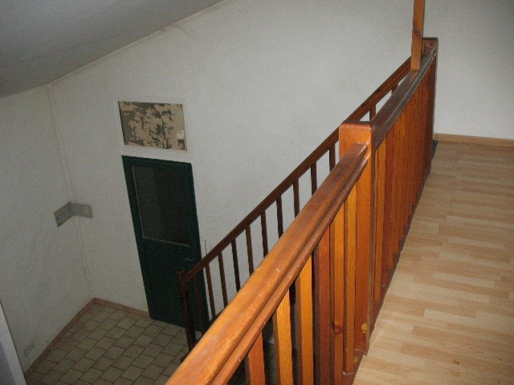 Location Appartement 2 pièces à Les Mées - vignette-1