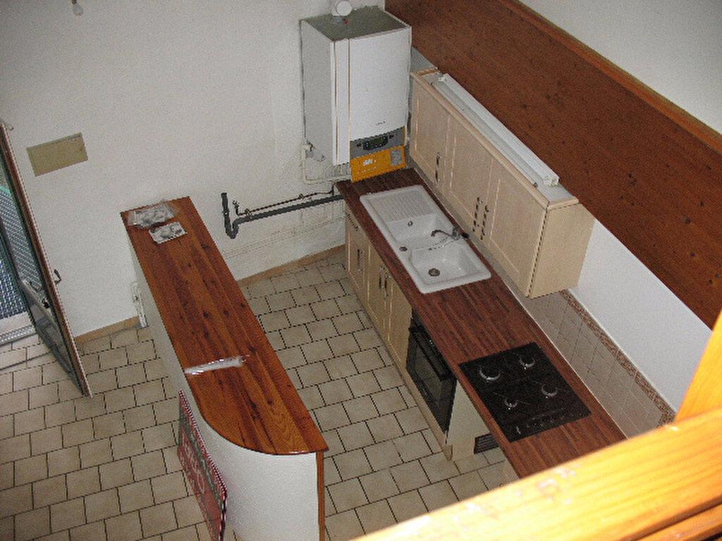 Location Appartement 2 pièces à Les Mées - vignette-2
