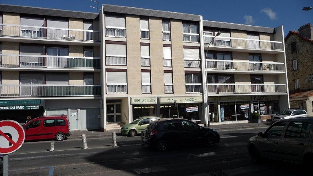 Location Appartement 5 pièces à Vaujours - vignette-1
