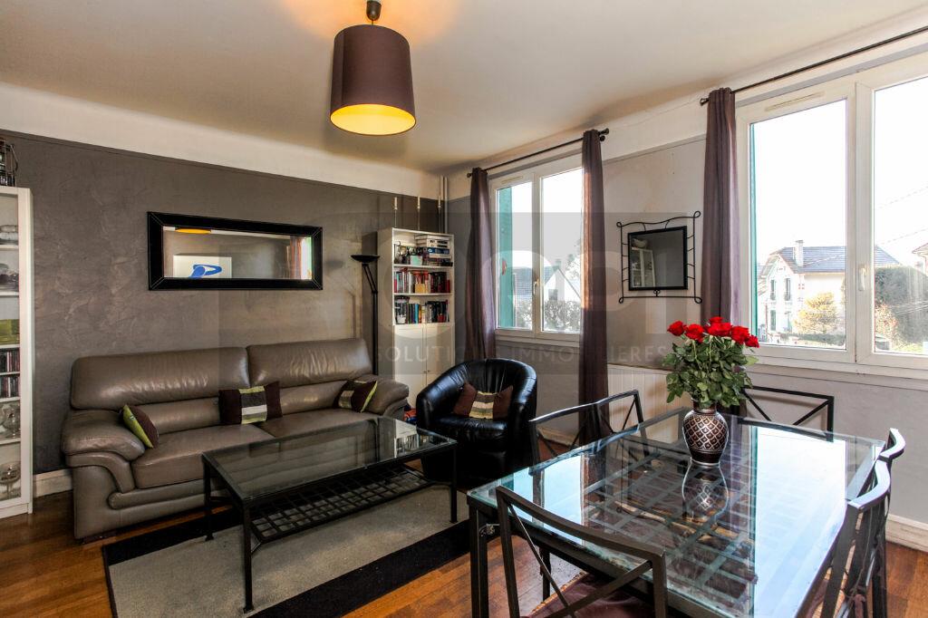 Achat Appartement 3 pièces à Vaires-sur-Marne - vignette-2