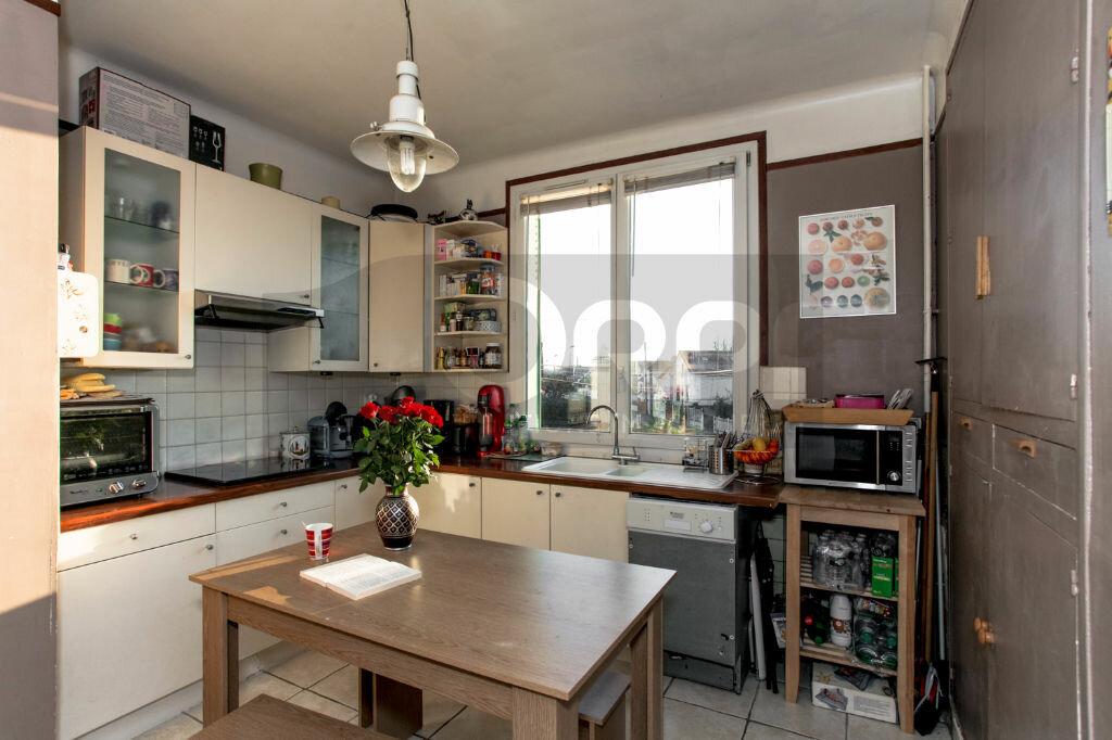 Achat Appartement 3 pièces à Vaires-sur-Marne - vignette-3