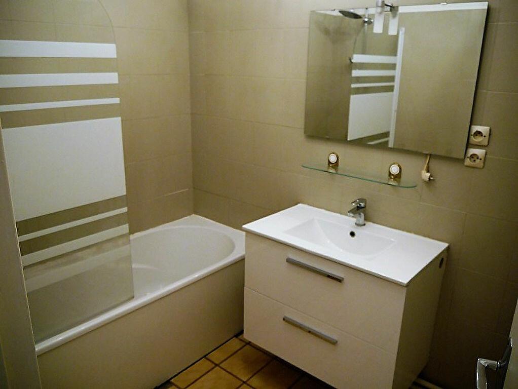 Achat Appartement 3 pièces à Champs-sur-Marne - vignette-6