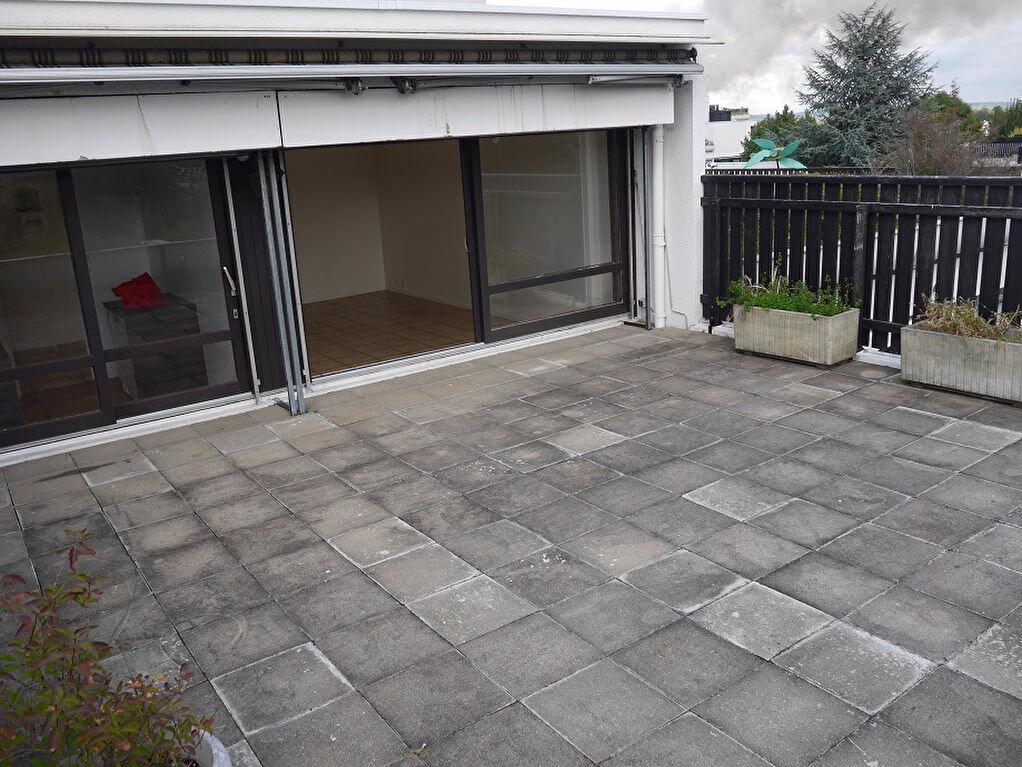 Achat Appartement 3 pièces à Champs-sur-Marne - vignette-10