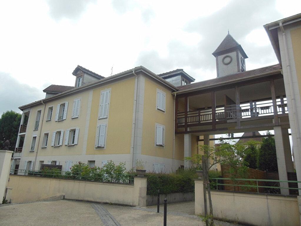 Achat Appartement 3 pièces à Roissy-en-Brie - vignette-1