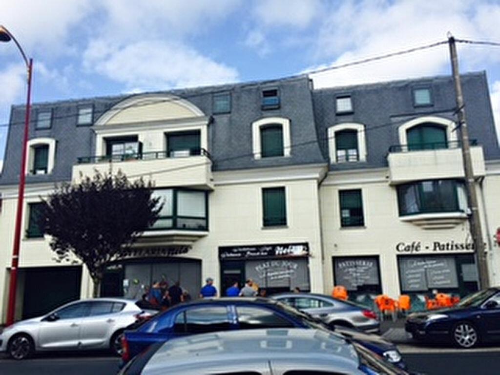 Location Appartement 2 pièces à Pontault-Combault - vignette-1