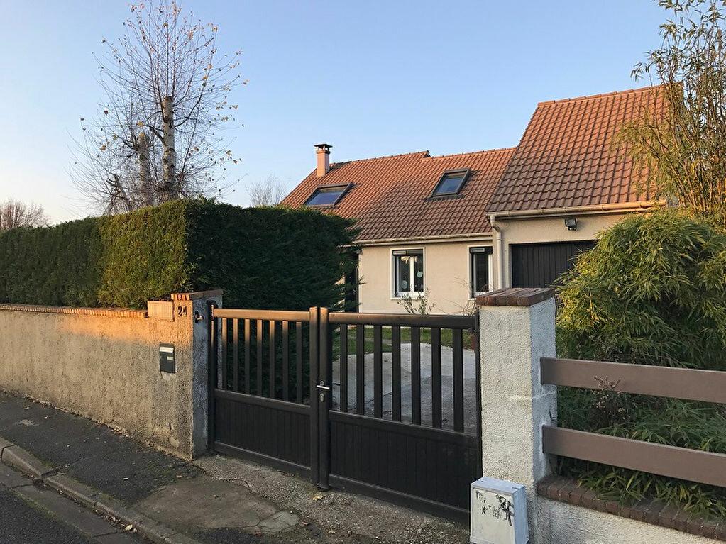 Achat Maison 6 pièces à Pontault-Combault - vignette-1