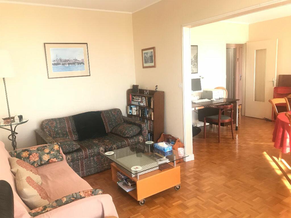 Achat Appartement 3 pièces à Pontault-Combault - vignette-2