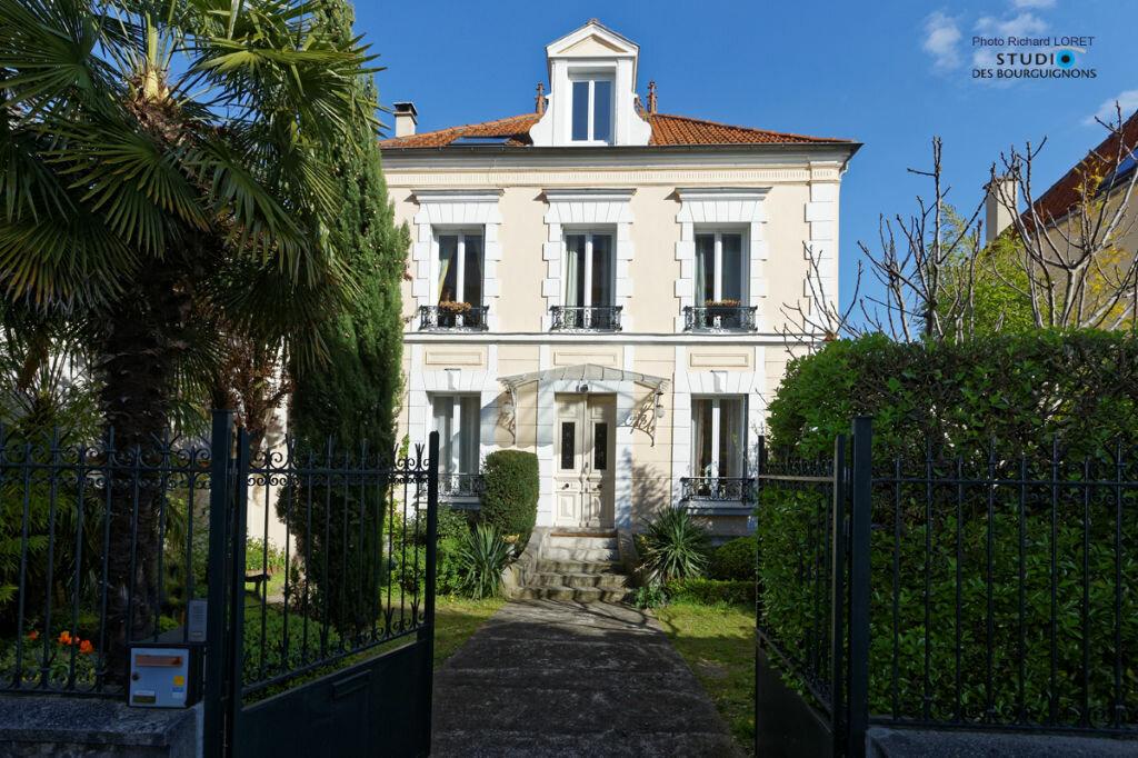 Achat Maison 11 pièces à Joinville-le-Pont - vignette-9