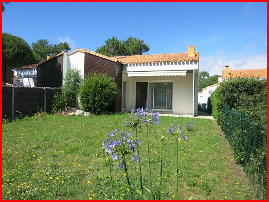 Achat Maison 4 pièces à Saint-Jean-de-Monts - vignette-1