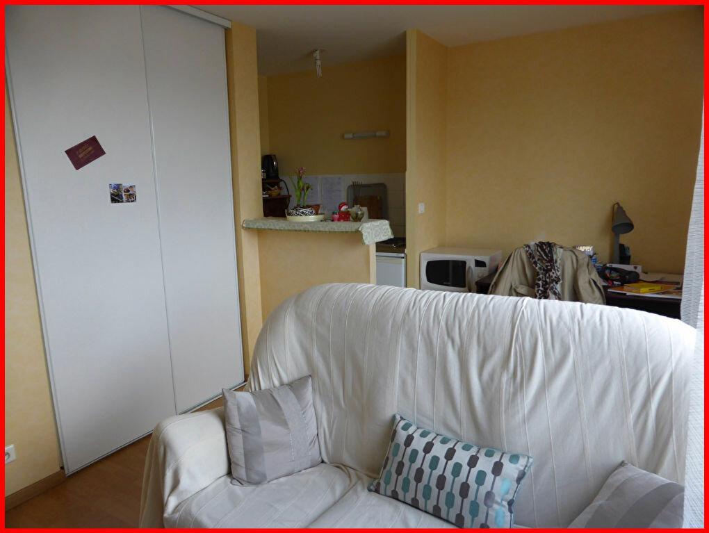 Achat Appartement 2 pièces à Challans - vignette-2