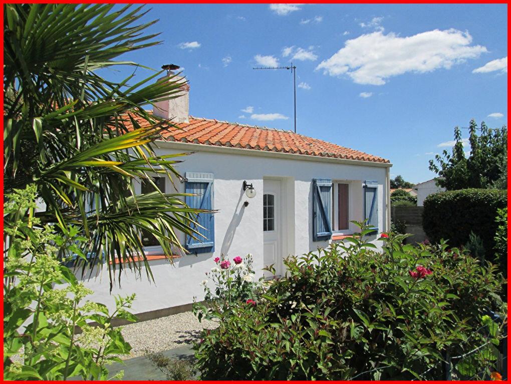 Achat Maison 4 pièces à Saint-Christophe-du-Ligneron - vignette-1